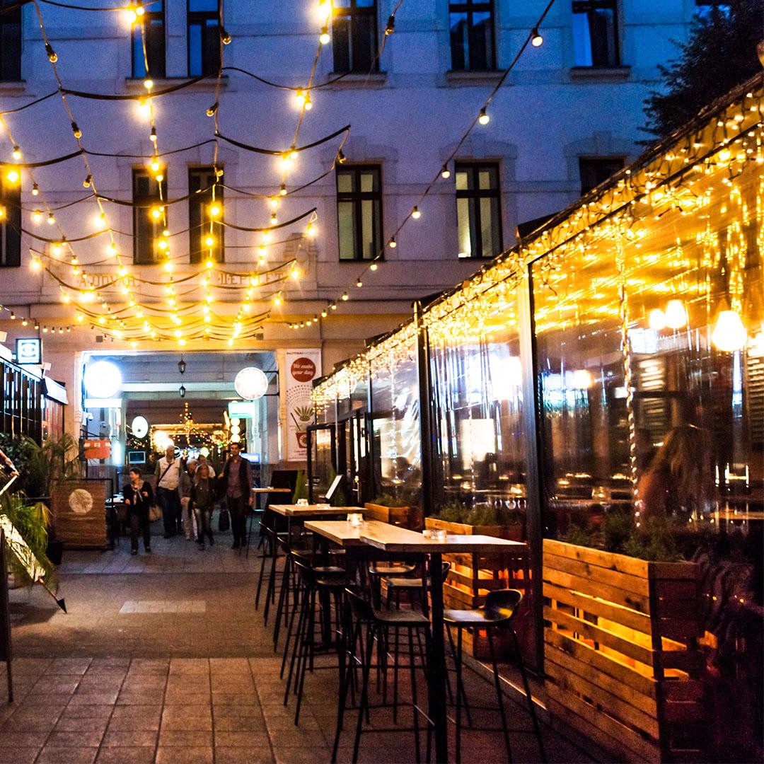 Outdoor Restaurant Lights